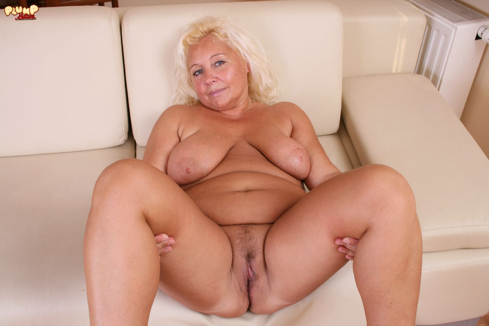 Plump naked grannies