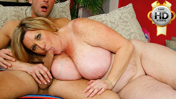 Blonde fat mama sucks cock